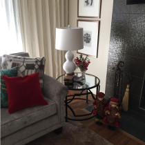 Using accessories to decorate a living room for Christmas