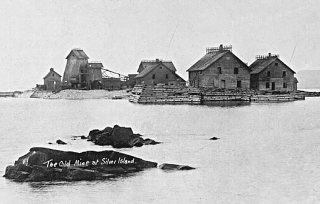 old photo of Silver Islet Ontario near Thunder Bay