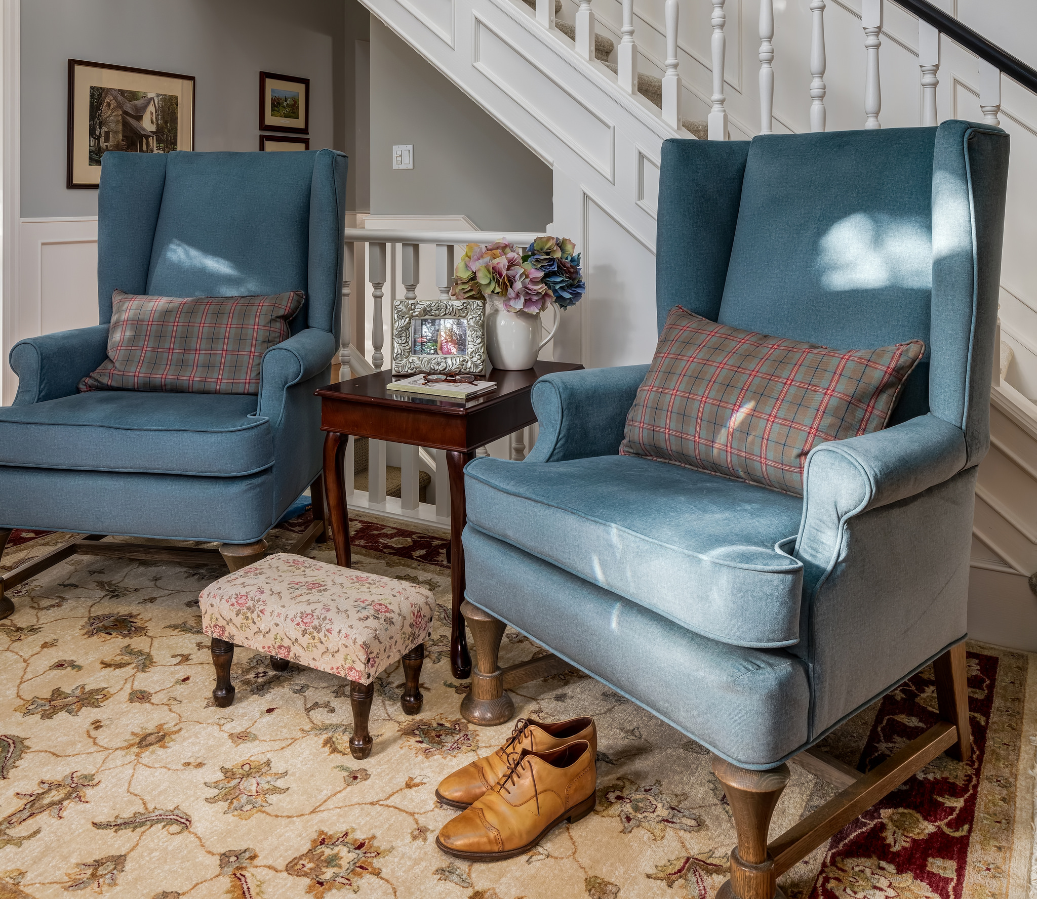 Traditional foyer in country home by Karen Fron Interior Design